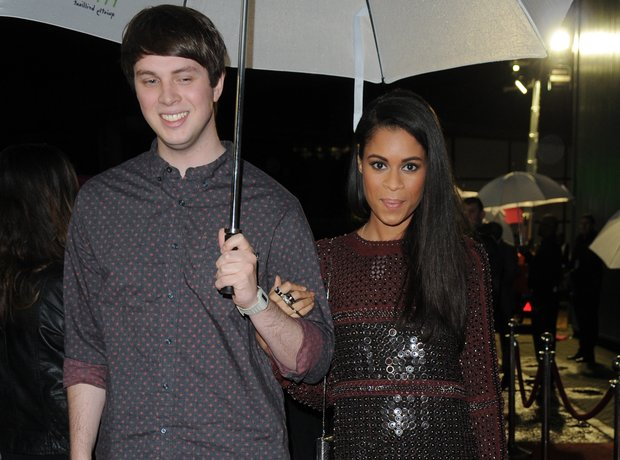 AlunaGeorge on the red carpet with umbrella at the Mobo Awards 2013