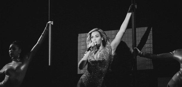 Beyonce performs Mrs Carter Tour