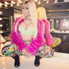 Nicki Minaj Throw Some Mo Video