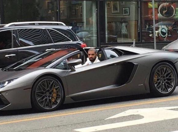 Drake in Lamborghini