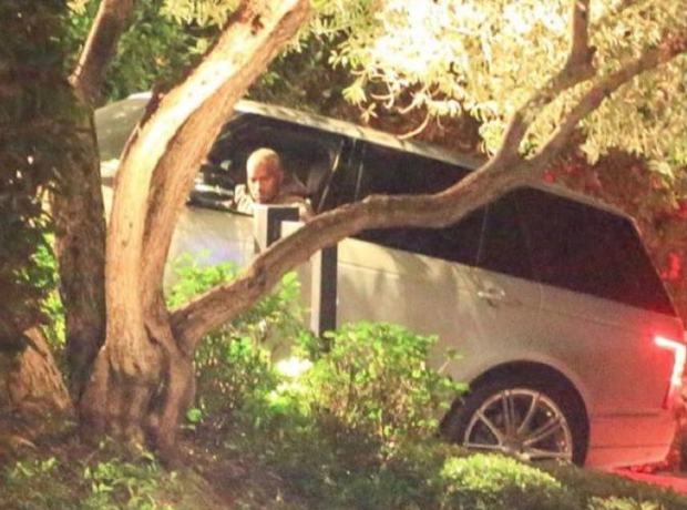 Kanye West Arriving At Jay Z & Beyonce House